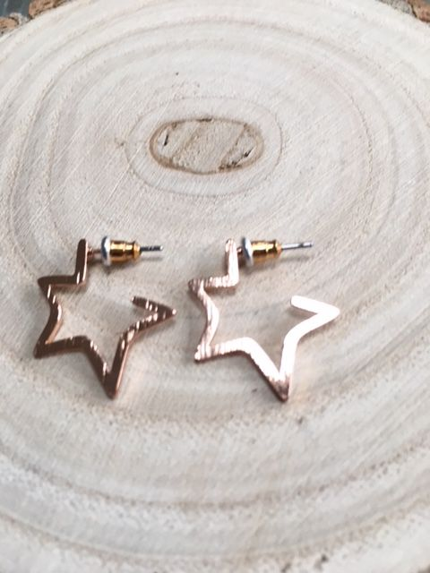 CHIARRA ROSE GOLD STAR STUD EARRINGS
